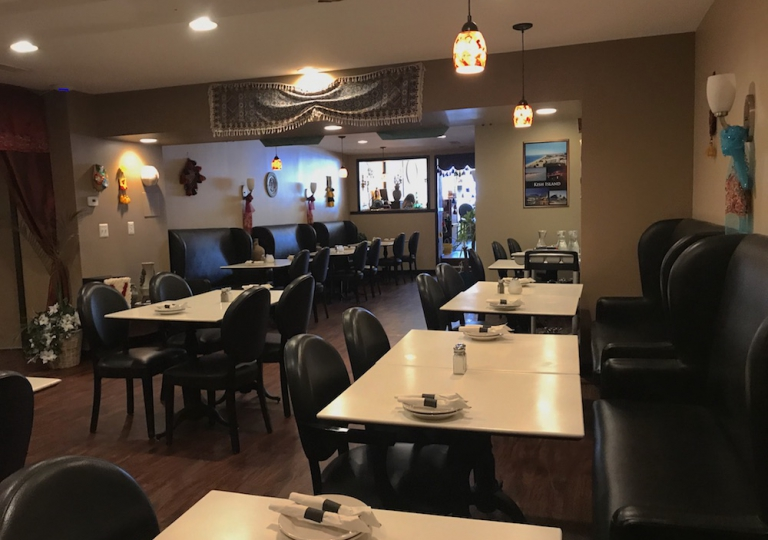 caspian-kabab-chicago-inside-dinning-room-seating-2